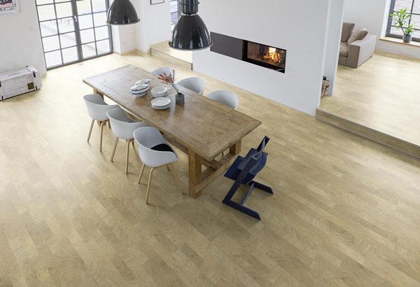 Landegger Boden für die Wohnküche bei Küchenwelt P und R in Leoben