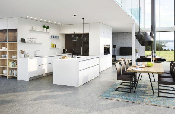 Offene helle Wohnküche