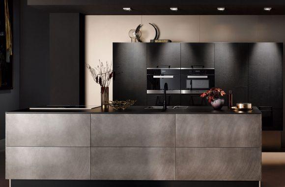 Küchenmodelle Küche Vulkaneicher und Industriestahl
