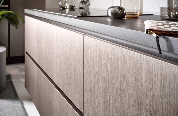 Küchentrends 2020 Häcker Metallic Optik und Haptik im Miele Center P & R